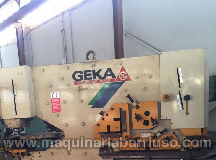 Punzonadora GEKA 110 AD con util de plegado