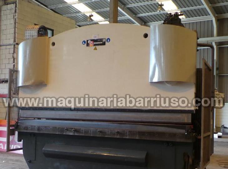 Plegadora Hid. Casanova de 4000x400 Tn. Marcado CE