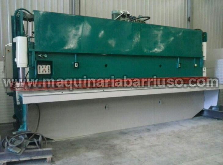 Hydraulic shear LOIRE of 6000 x  10 mm.