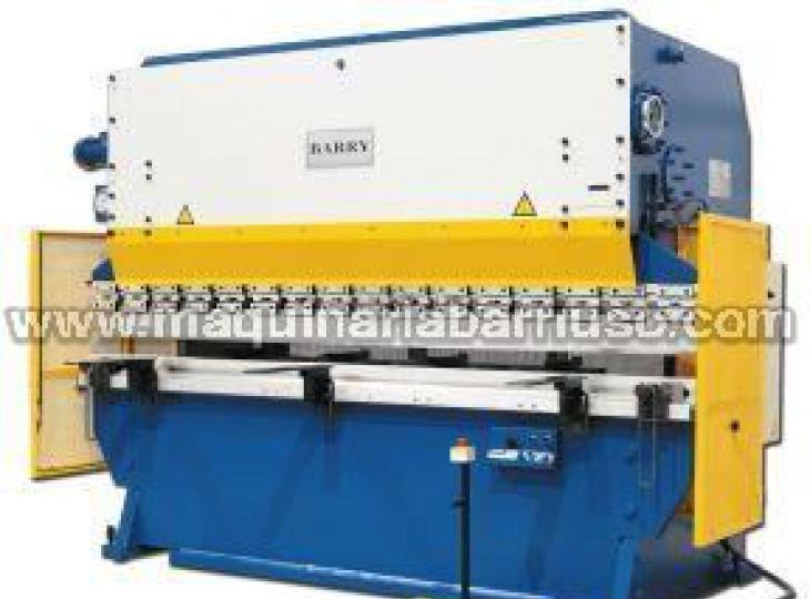 Plegadoras CNC de 3 mt x 90 tn. hasta 16 mt x 3000 tn