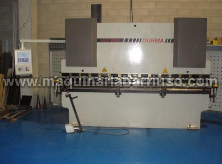 Hydraulic DURMA press brake Mod. HAP3090 of 3000 x 90 Tn, with two axis control NC-310
